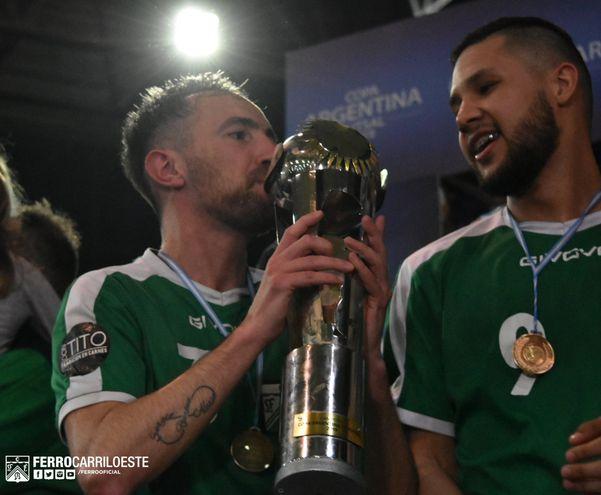 Eduardo Manzano, Ferrocarril Oeste, Futsal FIFA.