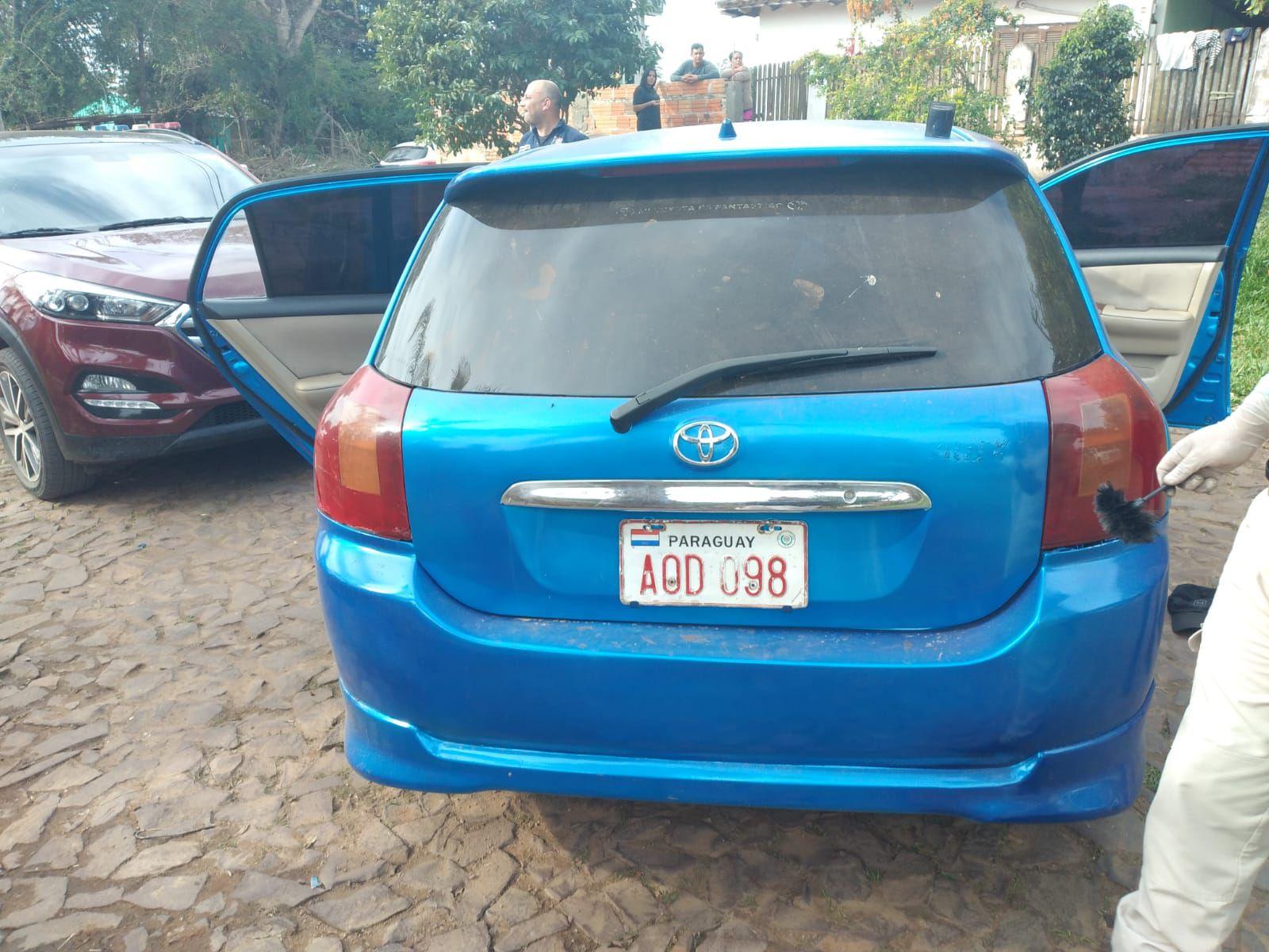 El automóvil robado además contaba con chapa que correspondía a otro rodado.