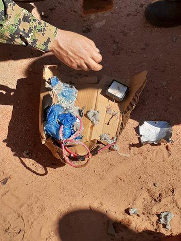 Los restos de la bomba casera.