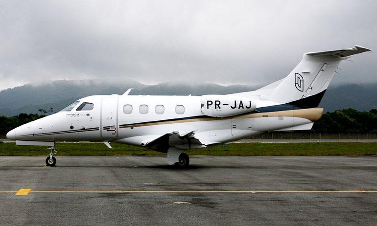 PR JAJ. El jet Phenom de Embraer a bordo del cual vinieron los empresarios brasileños (que mencionaban a la familia presidencial brasileña) y con los que se reunía Joselo Rodríguez invocando al Vicepresidente Velázquez..