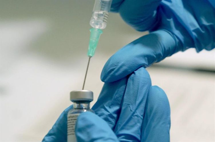 Son muchas las empresas que están produciendo vacunas contra el COVID-19.