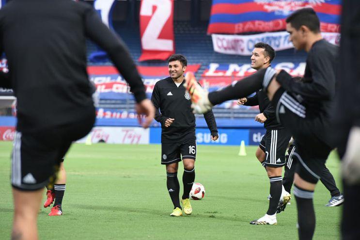 Viudez tuvo sus últimos minutos como franjeado en el superclásico, cuando  ingresó y poco después fue expulsado.
