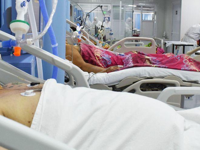 Pacientes en la Unidad de Terapia Intensiva (UTI) del Hospital Nacional de Itauguá.