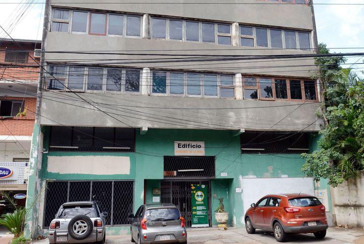 Incoop Compr Edificio Inservible Y Ahora Debe Construir
