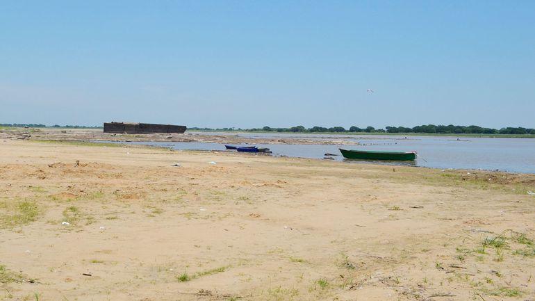 La costa del Río Paraguay en la zona de Villeta. El nivel ya llegó a 1,02 metros y las embarcaciones ya casi no tienen problemas para navegar.