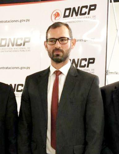 El titular de Contrataciones Públicas, Pablo Seitz, dio el informe ayer en el Palacio de Gobierno.