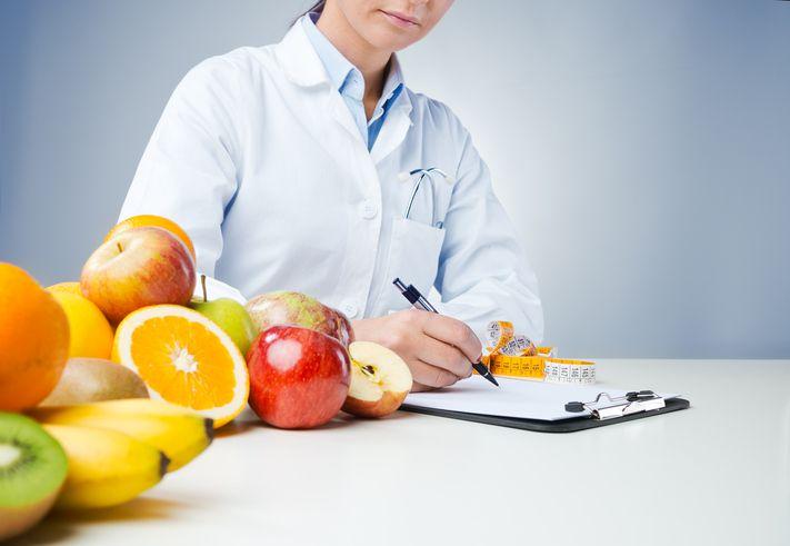 """""""El plan alimentario debe ser explicado exhaustivamente por el profesional, ya sea médico o licenciado, quienes son los únicos que deberían manejar estos temas, no improvisados. Esos improvisados nos hacen daño"""". Dr. Jorge Vacante."""