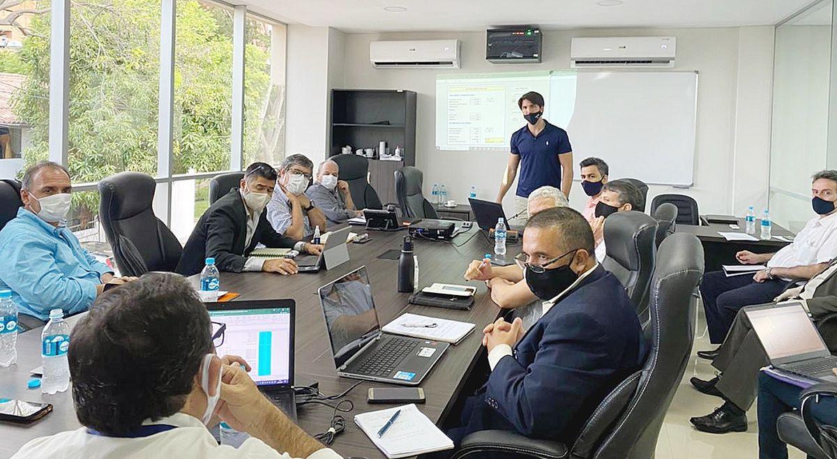 Técnicos de las instituciones del Consejo Permanente de Estudio de Tarifa se reunieron ayer.