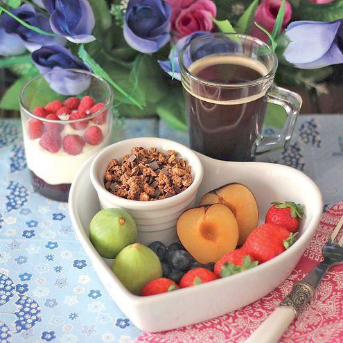 Las proteínas de los lácteos, las fibras de los cereales integrales y el azúcar simple de las frutas y la miel componen el desayuno ideal.