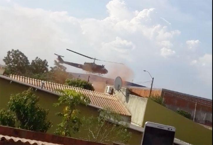 Helicóptero usado por la Senad, poco antes de caer.