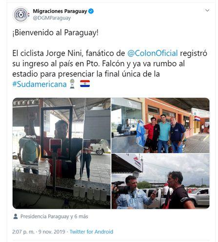 La cuenta de Twitter de Migraciones publicó ayer fotos del ingreso al país de un ciclista argentino que recorrió 720 kilómetros.
