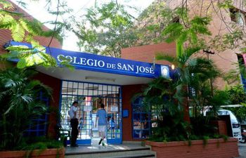 Colegio San José de Asunción.