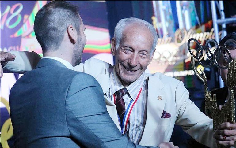 Rodolfo Alfredo Da Ponte Samudio durante la Gala Olímpica de 2018, donde fue homenajeado por ser el pionero olímpico de Paraguay en México 1968.