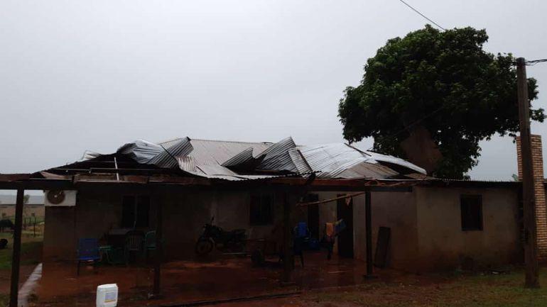Cuantiosos daños causó el temporal esta mañana en la colonia.