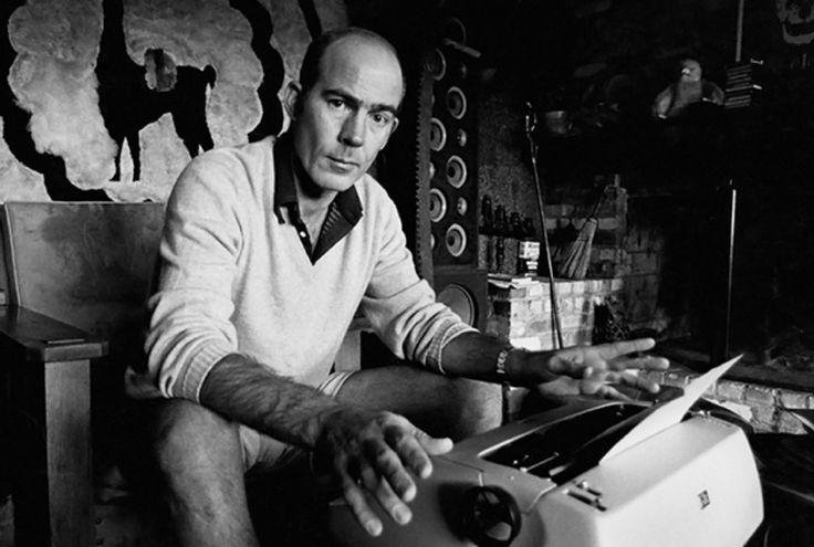 El periodista «gonzo» Hunter Stockton Thompson (Louisville, 18 de julio de 1937 - Woody Creek, 20 de febrero de 2005) en 1976.