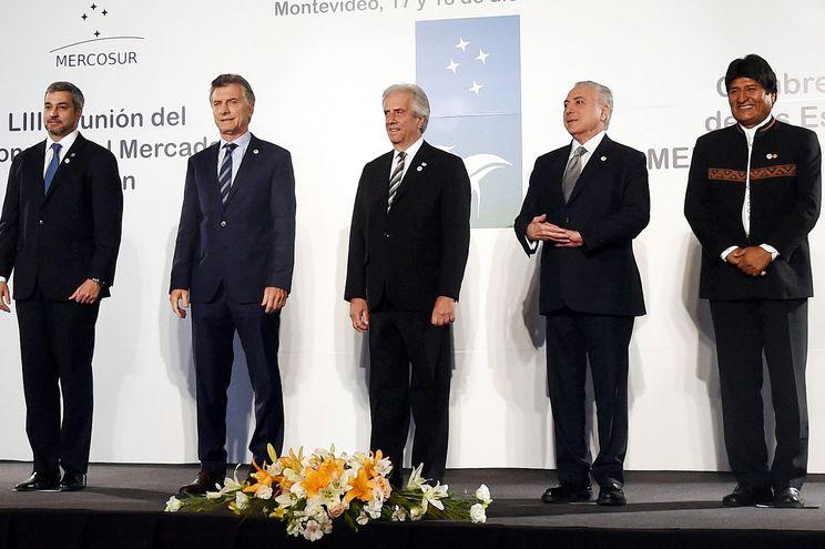 Mario Abdo Benítez, presidente de Paraguay; de Argentina, Mauricio Macri; de Uruguay, Tabaré Vázquez; el exgobernante de Brasil, Michel Temer; y de Bolivia, Evo Morales,   en diciembre de 2018.