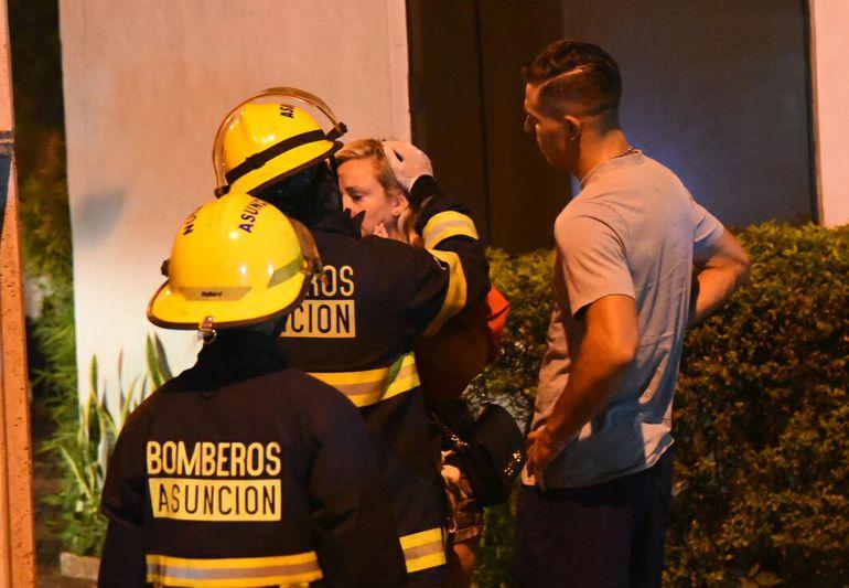 El jugador de Cerro Porteño, Diego Churín se hizo presente en el lugar luego del percance, para solidarizarse los heridos que aparentemente eran sus conocidos.