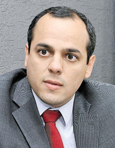 Camilo Benítez Aldana, contralor general de la República. El ente advirtió del riesgo de una nueva tercerización del IPS.