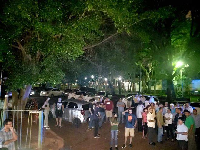 Los taxistas presionaron en todo momento, pero finalmente los vehículos fueron liberados.