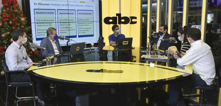 José Cantero, presidente del BCP;  Manuel Ferreira, Roberto Sosa, Hernán Colmán, Prince Otto, y Alfredo Pereira, en  ABC (izq. a der.).
