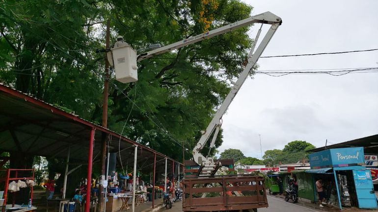 La Ande sigue con los trabajos de reparación de averías para reponer el servicio en Asunción.
