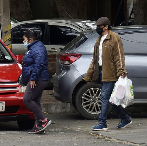 De a poco, el frío se asienta en las calles. Piden tomar precauciones para evitar cuadros respiratorios.