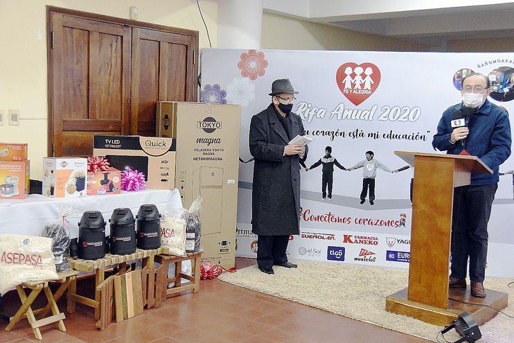 La rifa anual de Fe y Alegría tuvo su lanzamiento ayer, a cargo del director general, padre Francisco Ricardo Jacquet, SJ.