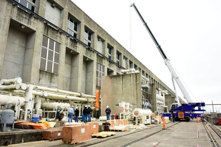 Última etapa de la instalación de las barras de 500 kV.