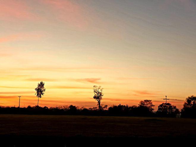 Meteorología anuncia una jornada cálida y chaparrones en horas de la noche.