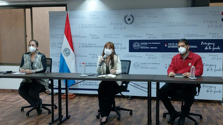 Conferencia de prensa del Ministerio de Educación, sobre las vacaciones de invierno.