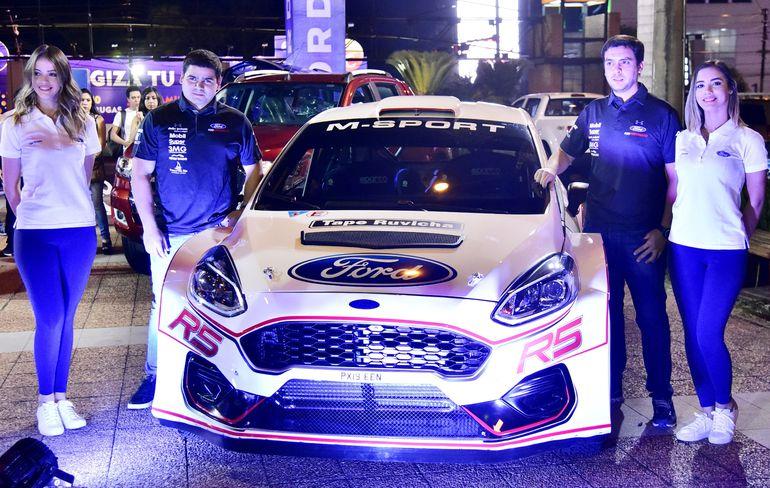 Augusto Bestard presentó el nuevo Ford Fiesta MK2 R5, con el cual correrá la última fecha del Campeonato Nacional de Rally, la séptima en Santaní.