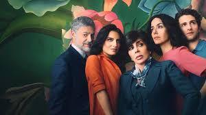 """La actriz Verónica Castro (centro) y no será parte del elenco de """"Casa de las flores"""". La exitosa serie de Netflix regresa en octubre con la segunda temporada."""