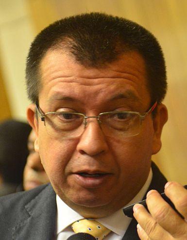 El senador Derlis Osorio (ANR) no está de acuerdo con  el rekutu del  diputado Pedro Alliana en el Partido Colorado.