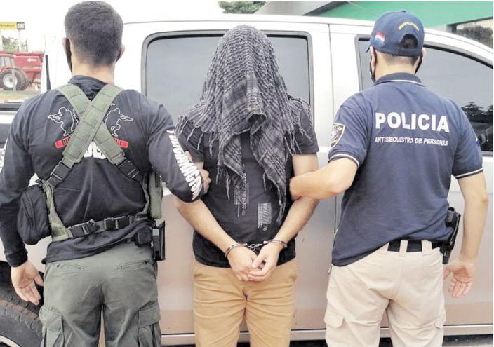 Bruno Da Costa Amaral fue detenido en Salto del Guairá luego del allanamiento de su armería.