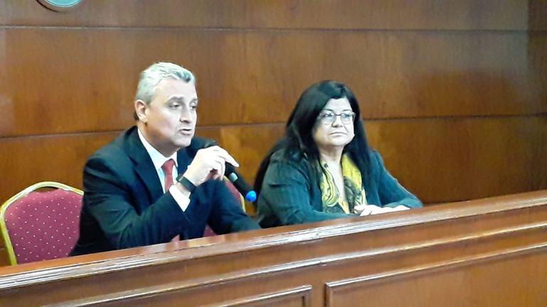 Juan Ernesto Villamayor y Carolina Llanes realizaron el anuncio esta mañana tras la reunión interinstitucional.