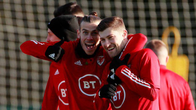 Gareth Bale jugó 60 minutos en Gales.