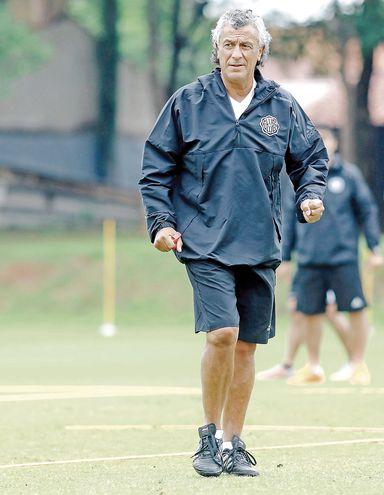 Néstor Raúl Gorosito (56 años), conductor técnico franjeado.