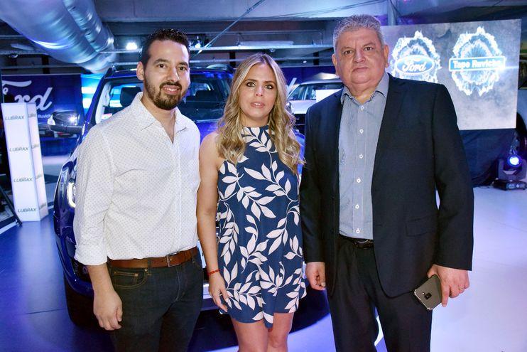 Domingo Gaona, Celeste Giménez y Andrés Duarte.