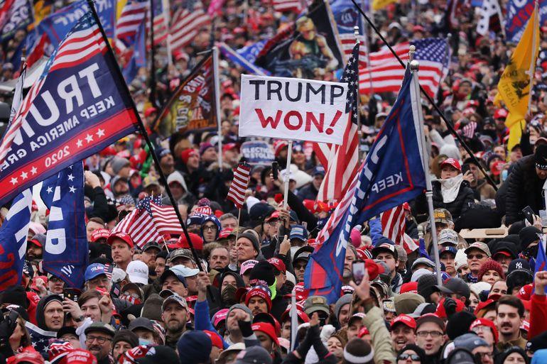 Partidarios del presidente estadounidense Donald Trump en las inmediaciones del Capitolio de Washington, el pasado miércoles.