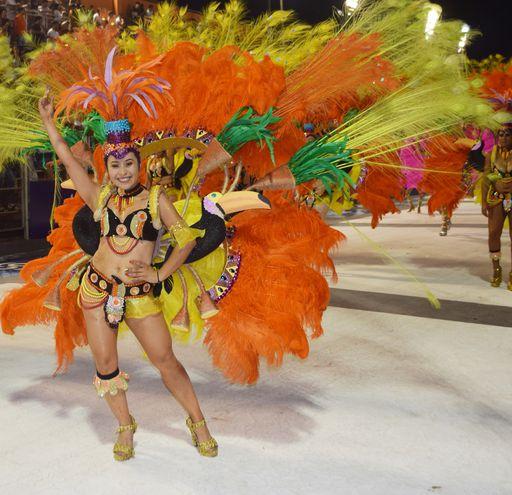 Carnaval ritmo y mucho color