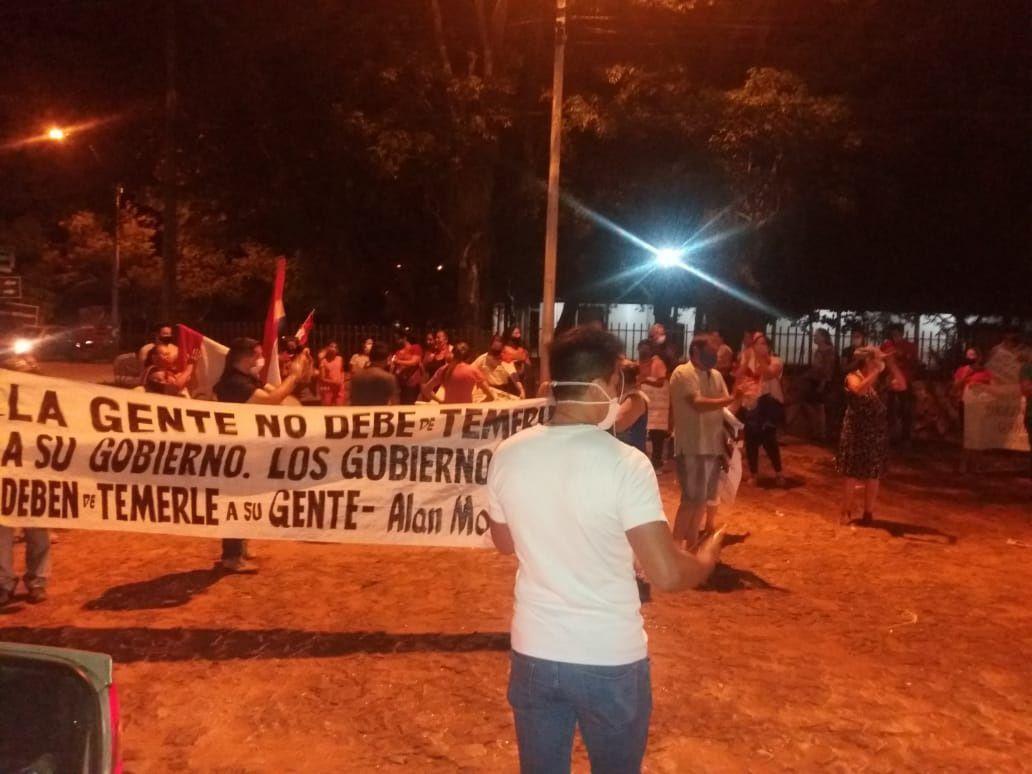 Los pobladores insistirán con las manifestaciones porque el actual intendente aspira ser reelecto