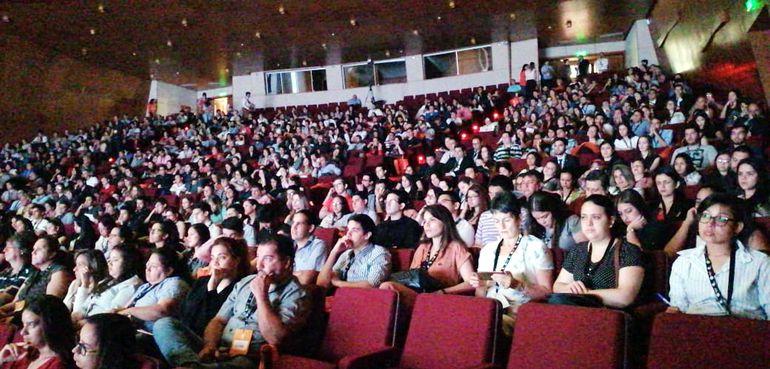 El auditorio del Banco Central del Paraguay estuvo lleno. Más de  1.500 personas participaron en el foro.