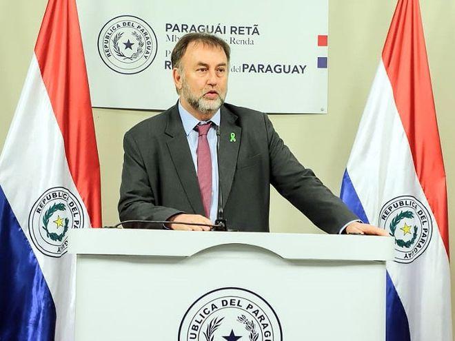 El ministro Benigno López (i) y el titular del BCP, José Cantero fueron  muy cuestionados por pagos extras en sus carteras.