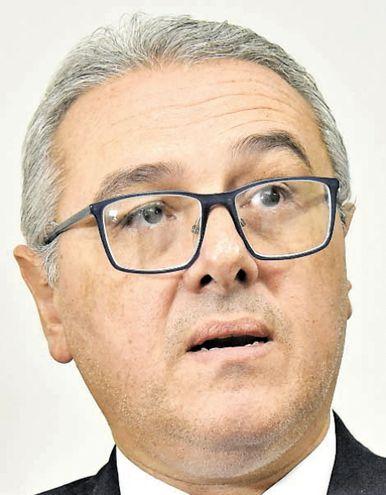 El abogado José Casañas Levi se desempeña como director de Anticorrupción del MEC y opinó sobre la actuación de la Fiscalía.