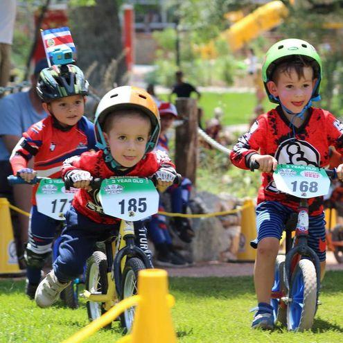 Pequeños ciclistas competirán este jueves.