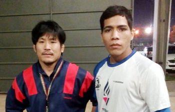 el-luchador-rodrigo-denis-d-y-el-entrenador-hiroshi-kogita--220323000000-1833969.jpg