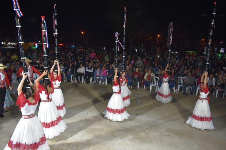 Festejos por aniversario de la ciudad de Ayolas.