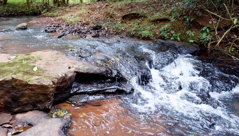 El arroyo Potî'y en cuya cuenca se encuentran las tres reservas.