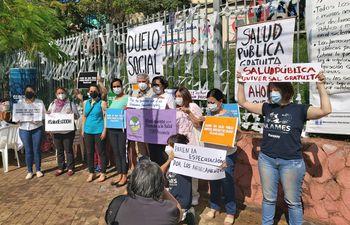 Duelo social en el Día Mundial de la Salud, frente al Ministerio de Salud.