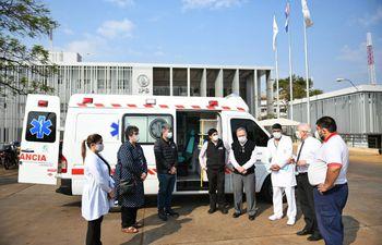 La ambulancia que quedó a disposición del Hospital Integrado Respiratorio de Alto Paraná.